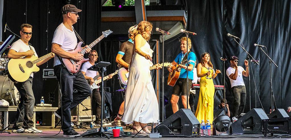 Jim Cuddy delights the Gran Fondo crowd in concert